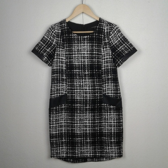 d82ef05b677ba Banana Republic Dresses | L Plaid Shift Dress Mod Retro 60s | Poshmark